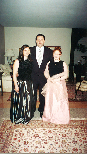 Jackie-Rach-Dad-March-2002